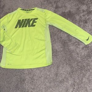 Boys Nike large youth neon shirt long sleeve
